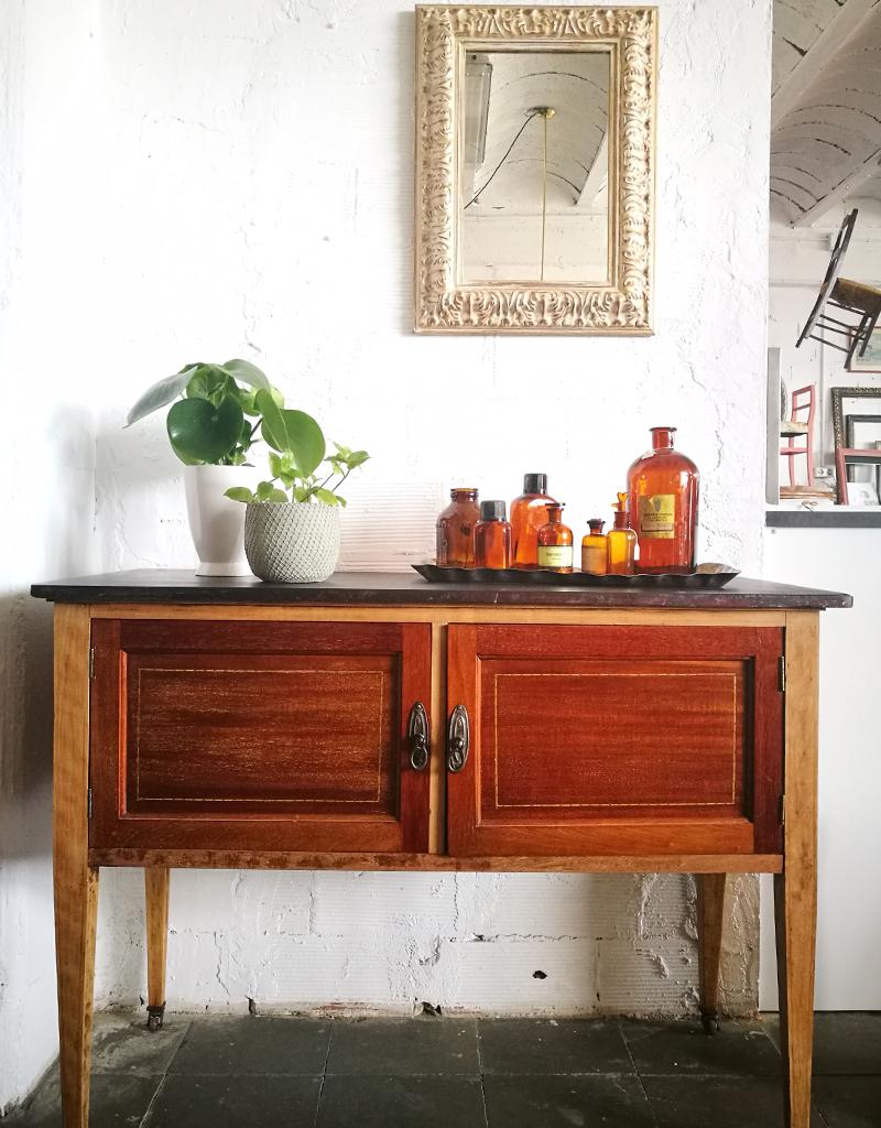 Mueble de origen inglés de madera de caoba